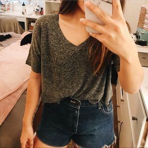 Old Navy Cropped V-neck tee